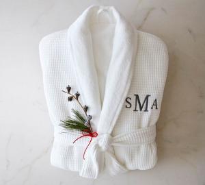 resort robe